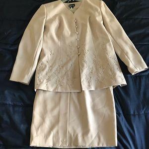 2 Piece Leslie Fay Blazer/Skirt Set Sz 14 in cream